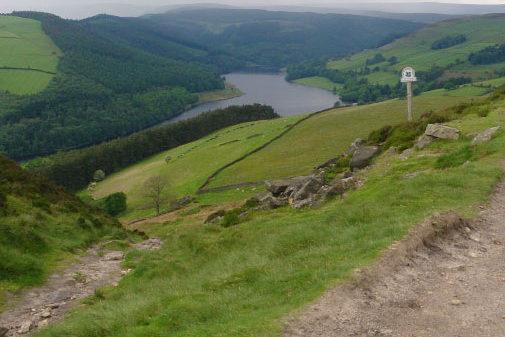 Mountain biking around Ladybower, Peak District | Outdoor Adventure Motivational Speaking | Hetty Key | Mud, Chalk & Gears